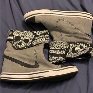Nike Hightop Glencoe Skull Boots